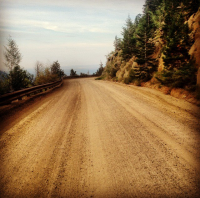 An image of a typical road in Boulder, Colorado